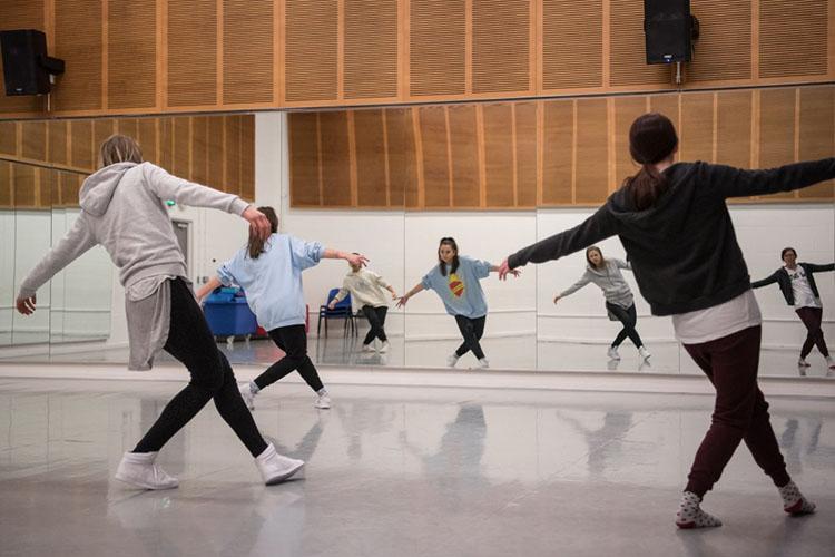 studio_dance